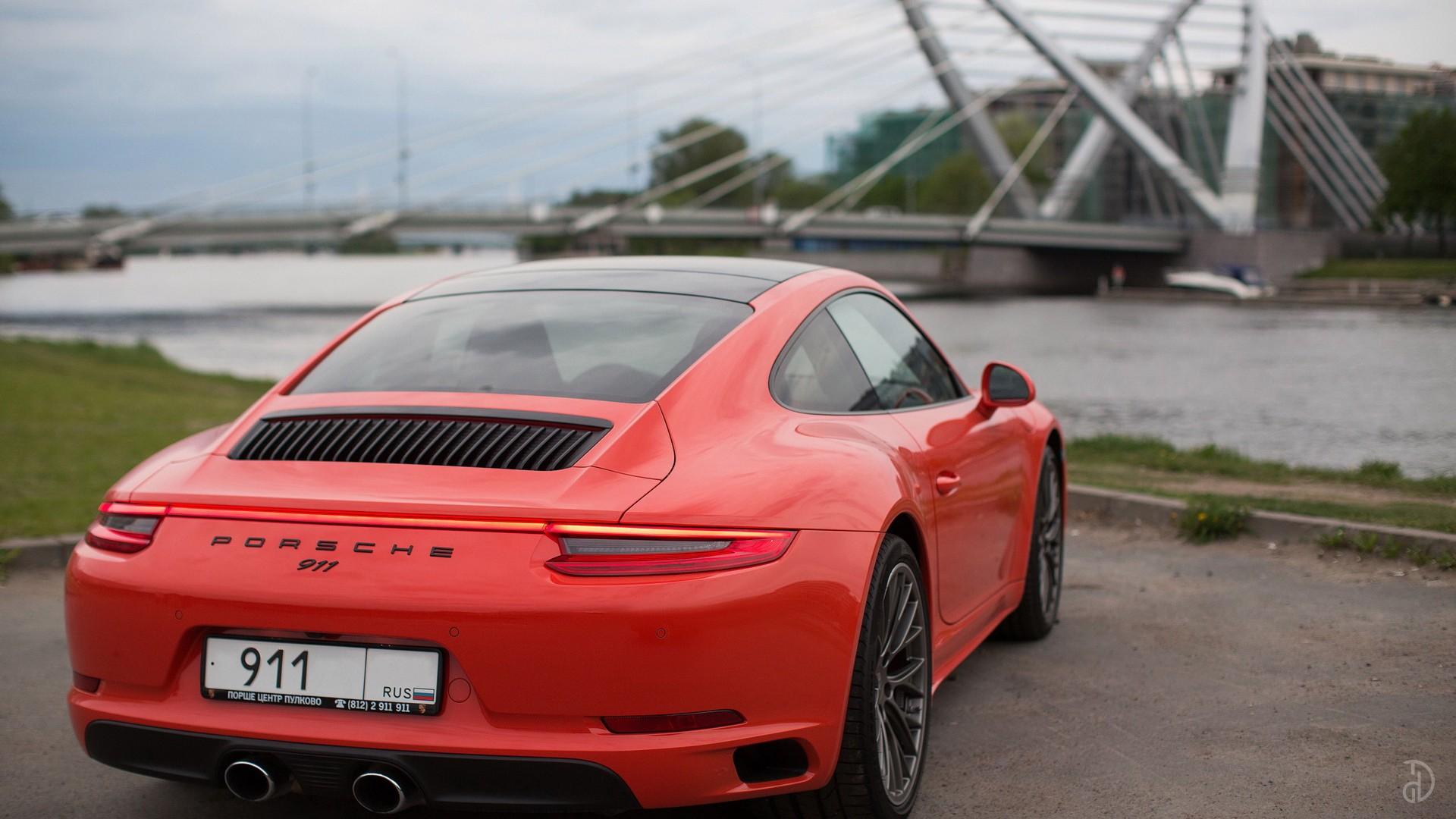 Porsche 911 Carrera 4S. Фото 12