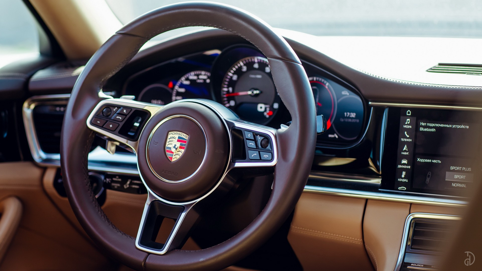 Porsche Panamera 4S. Фото 8