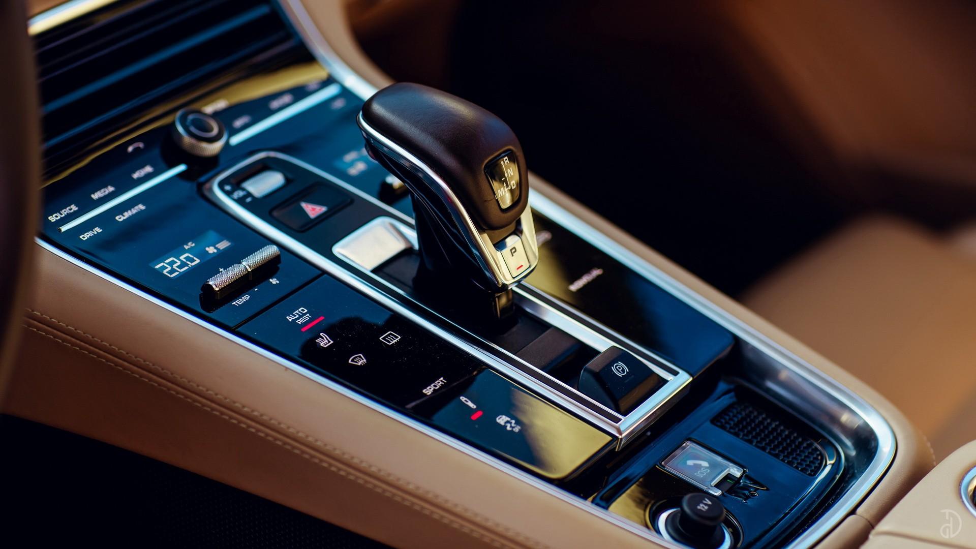 Porsche Panamera 4S. Фото 11