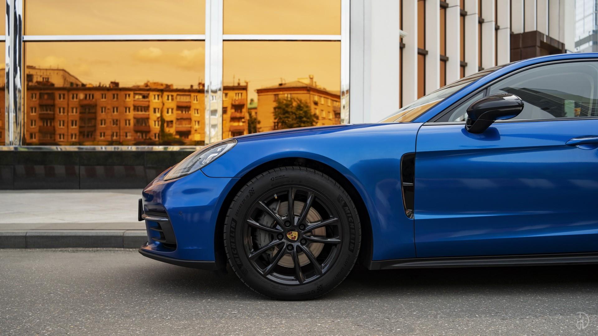 Аренда Porsche Panamera 4S в Москве. Фото 4