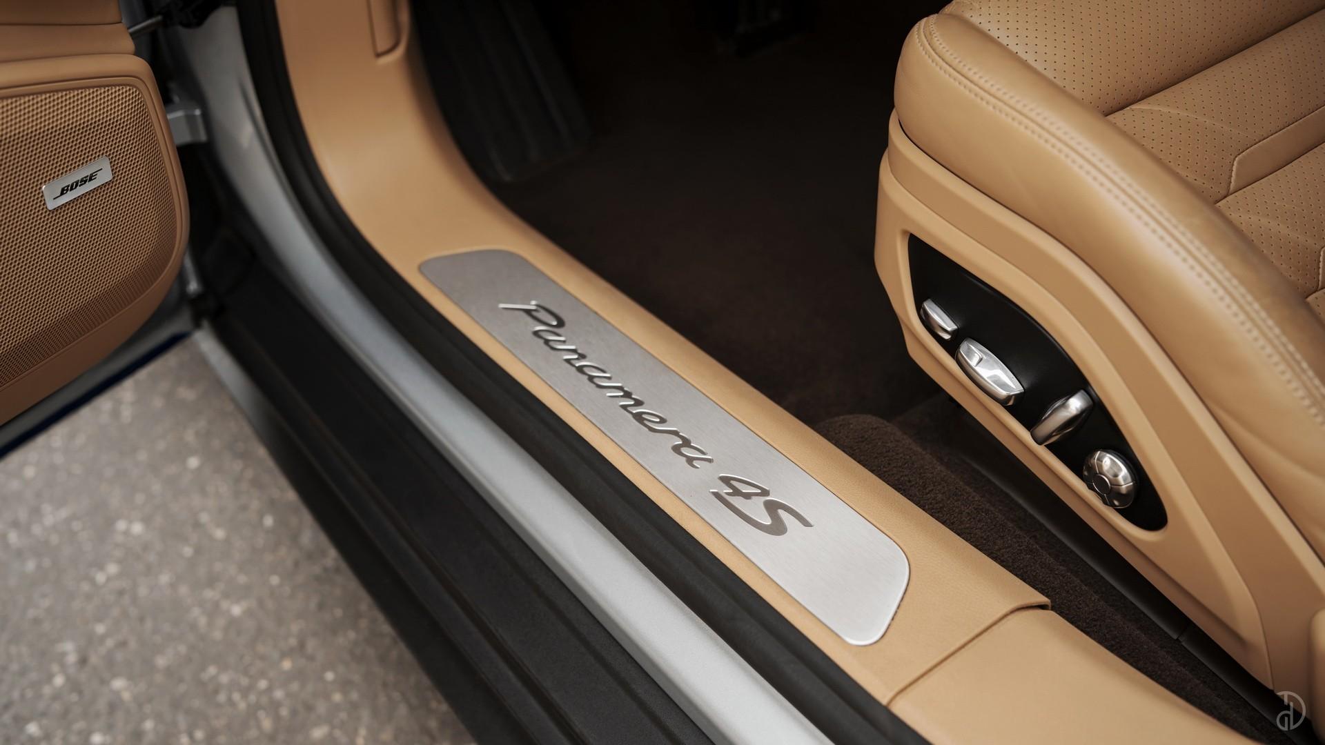 Аренда Porsche Panamera 4S в Москве. Фото 9