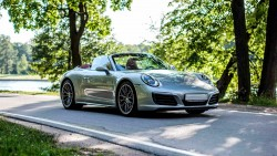 Аренда Porsche 911 Carrera 4S Cabriolet в Москве