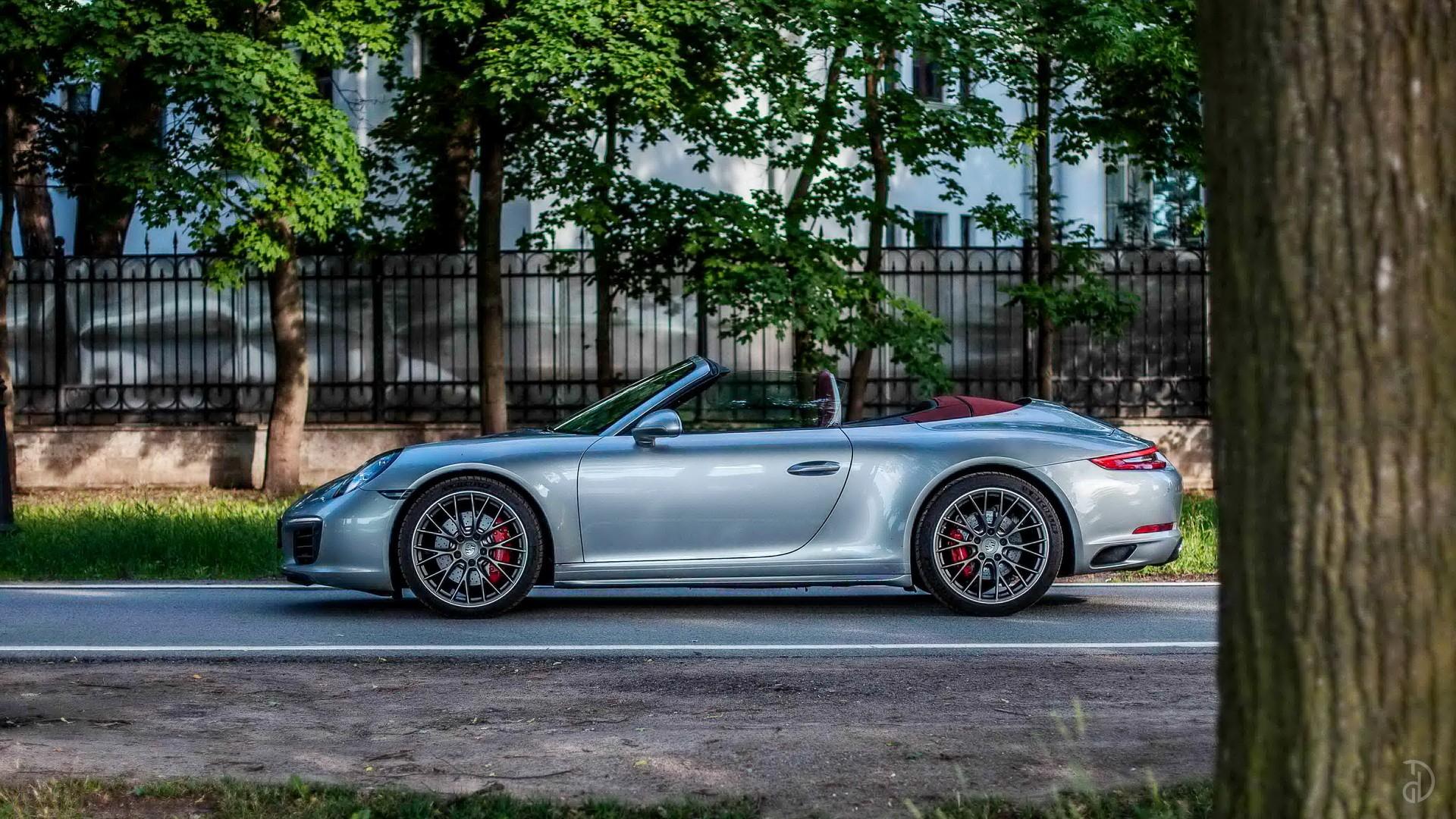 Аренда Porsche 911 Carrera 4S Cabriolet в Москве. Фото 3