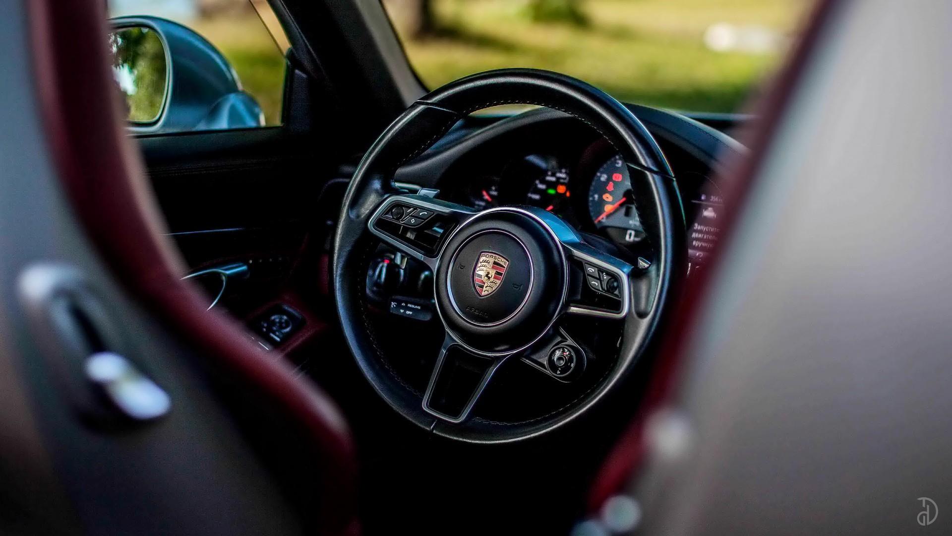 Аренда Porsche 911 Carrera 4S Cabriolet в Москве. Фото 8