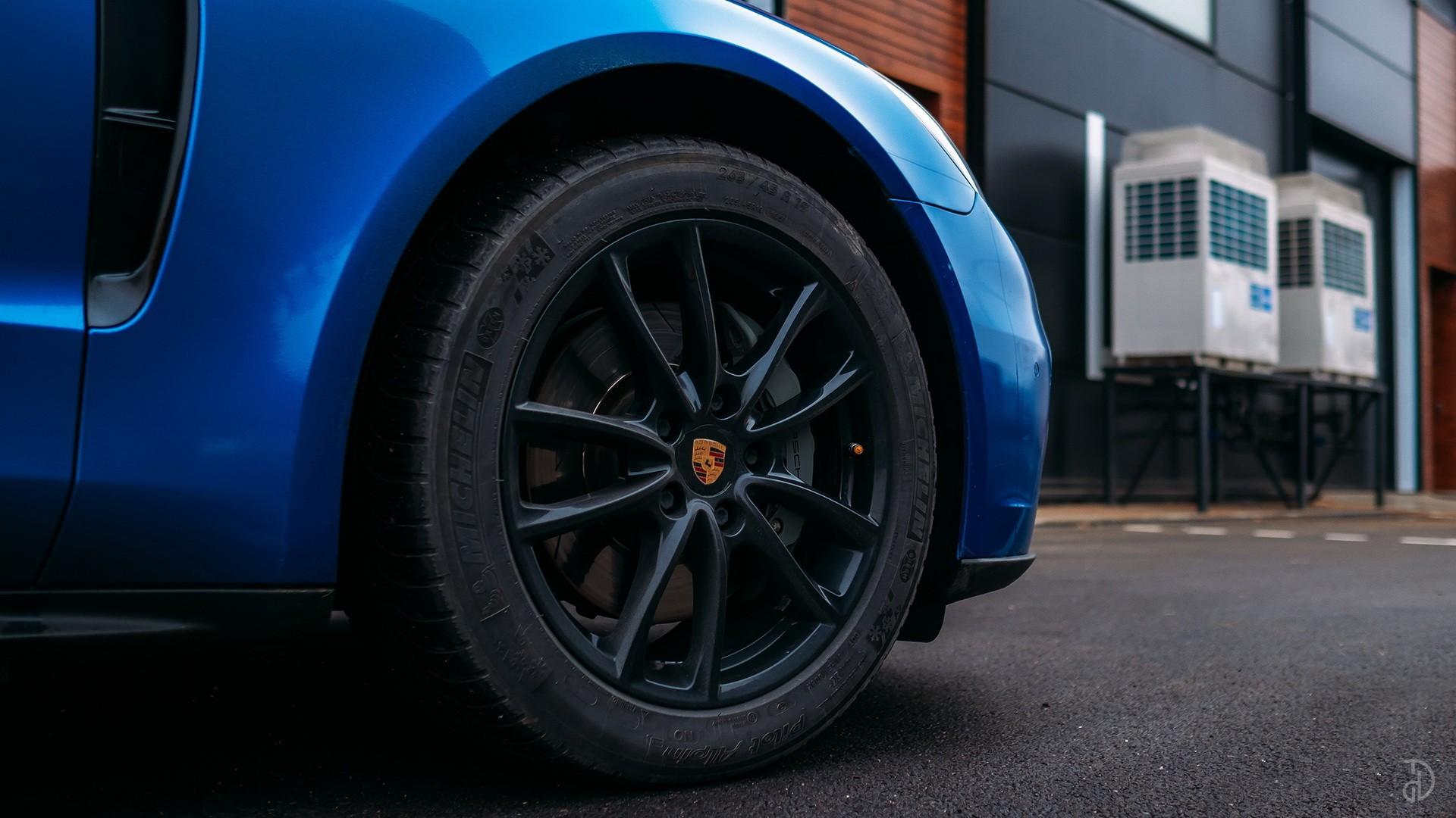 Аренда Porsche Panamera 4S в Сочи. Фото 7