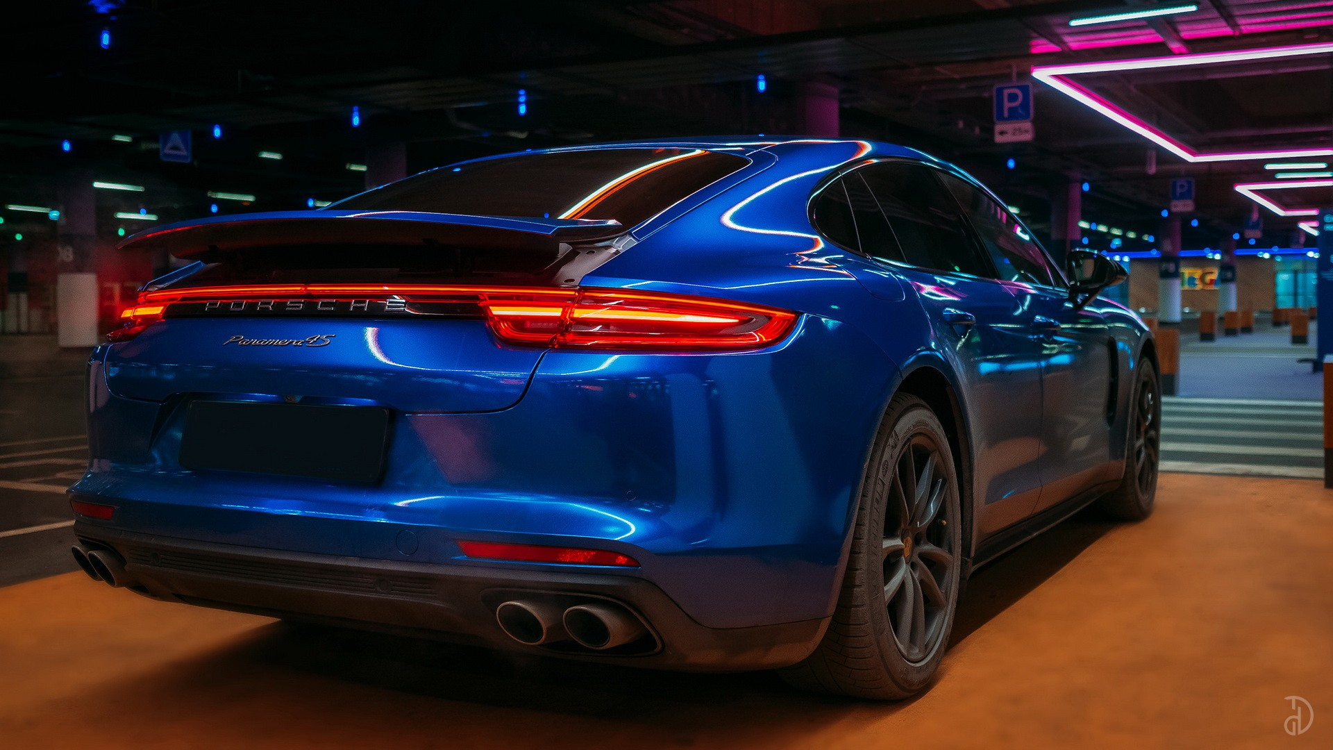 Porsche Panamera 4S. Фото 10