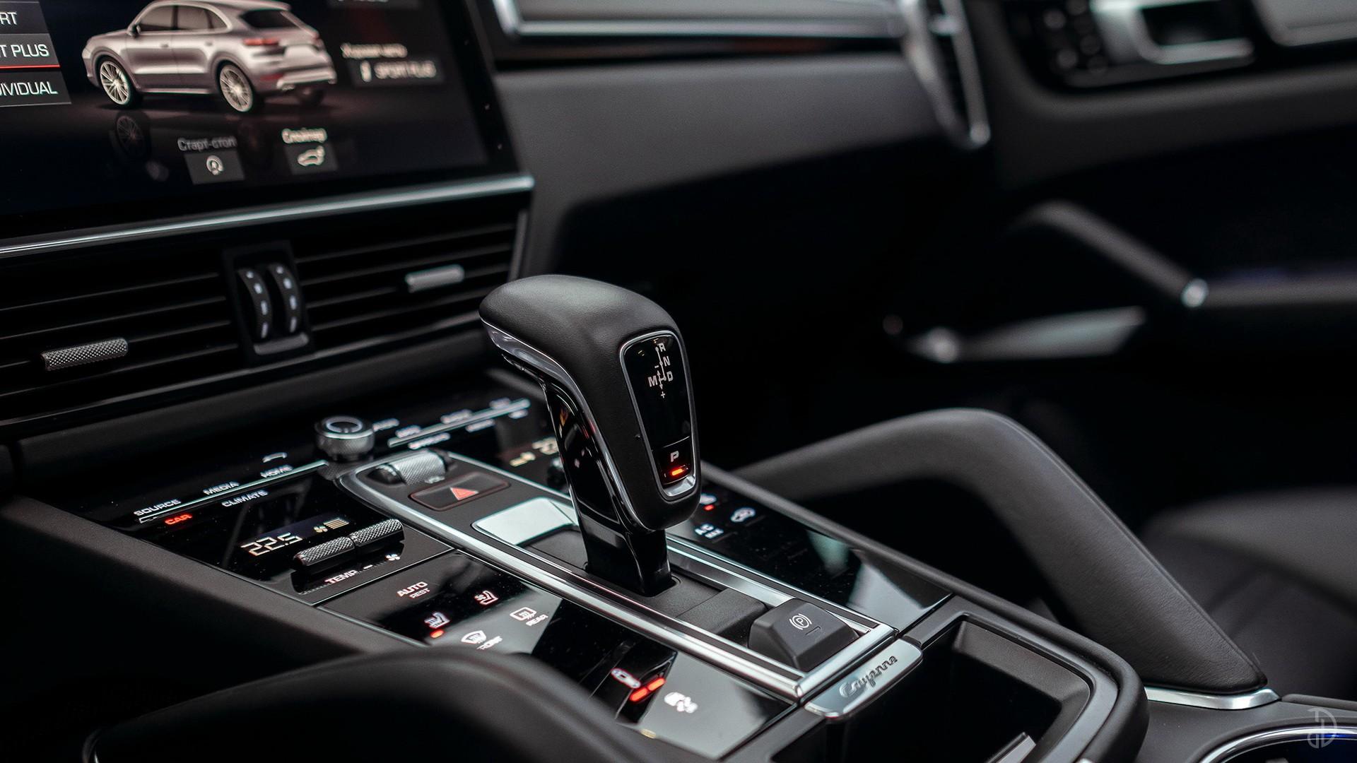Porsche Cayenne Turbo. Фото 8