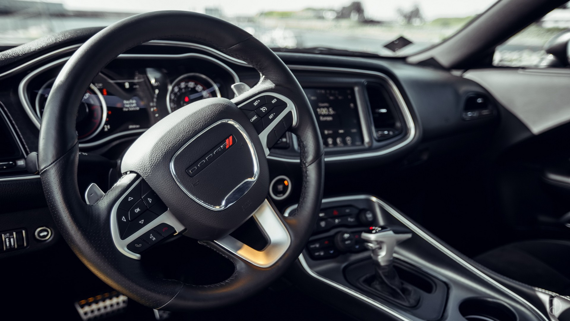 Dodge Challenger R/T. Фото 7