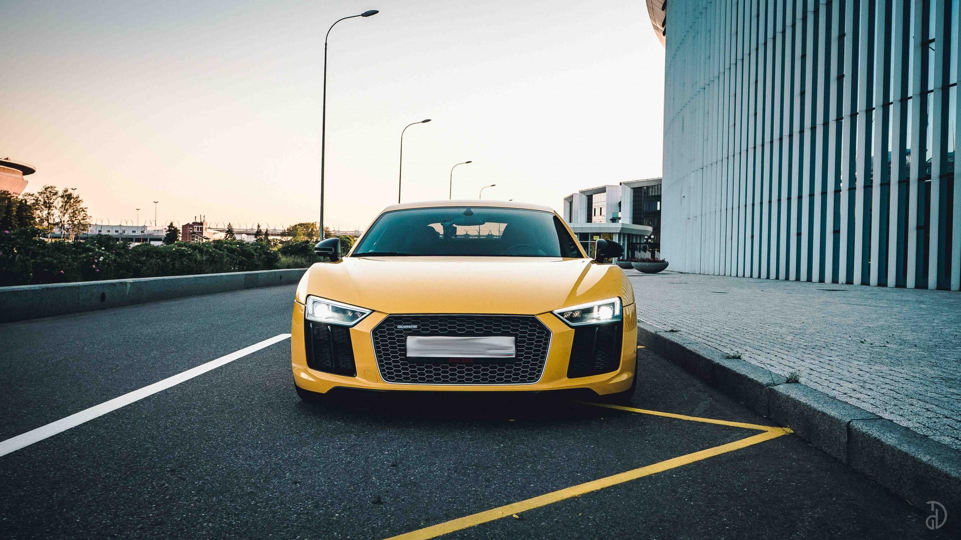 Audi R8. Фото 2