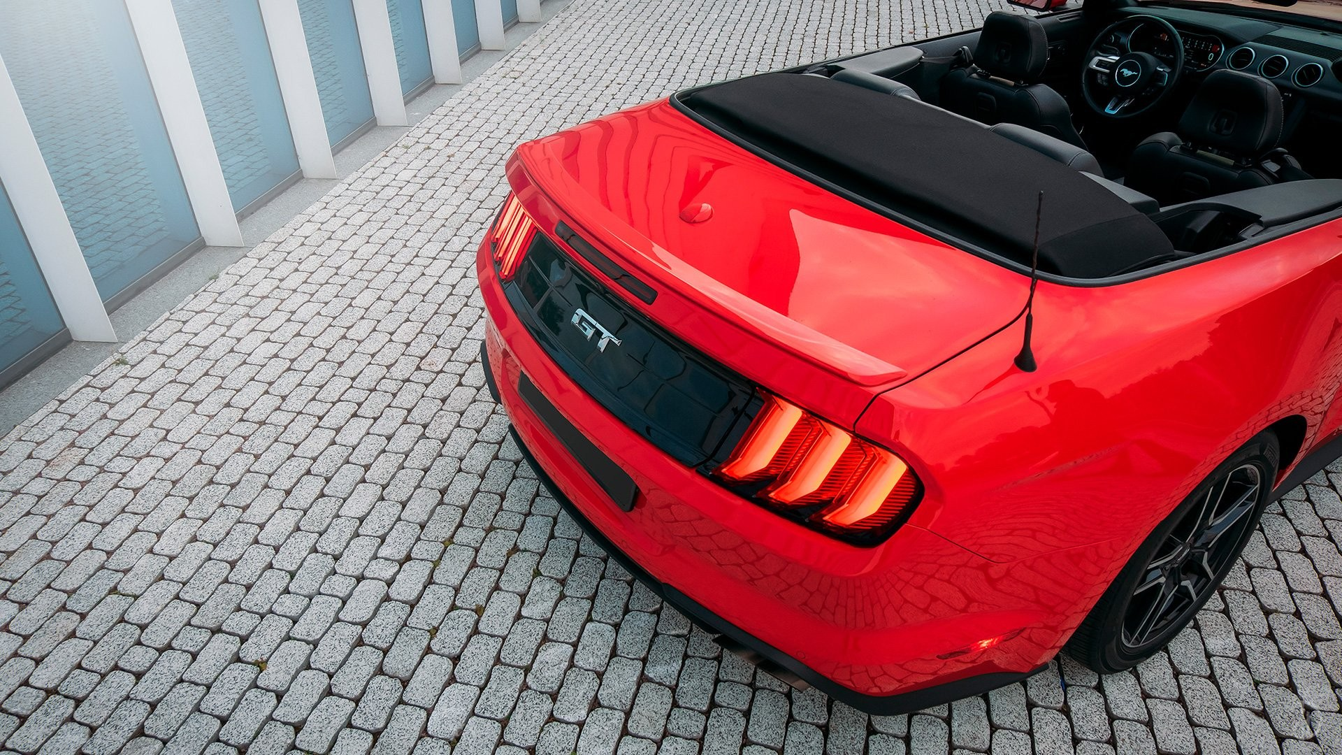 Ford Mustang GT 5.0. Фото 11