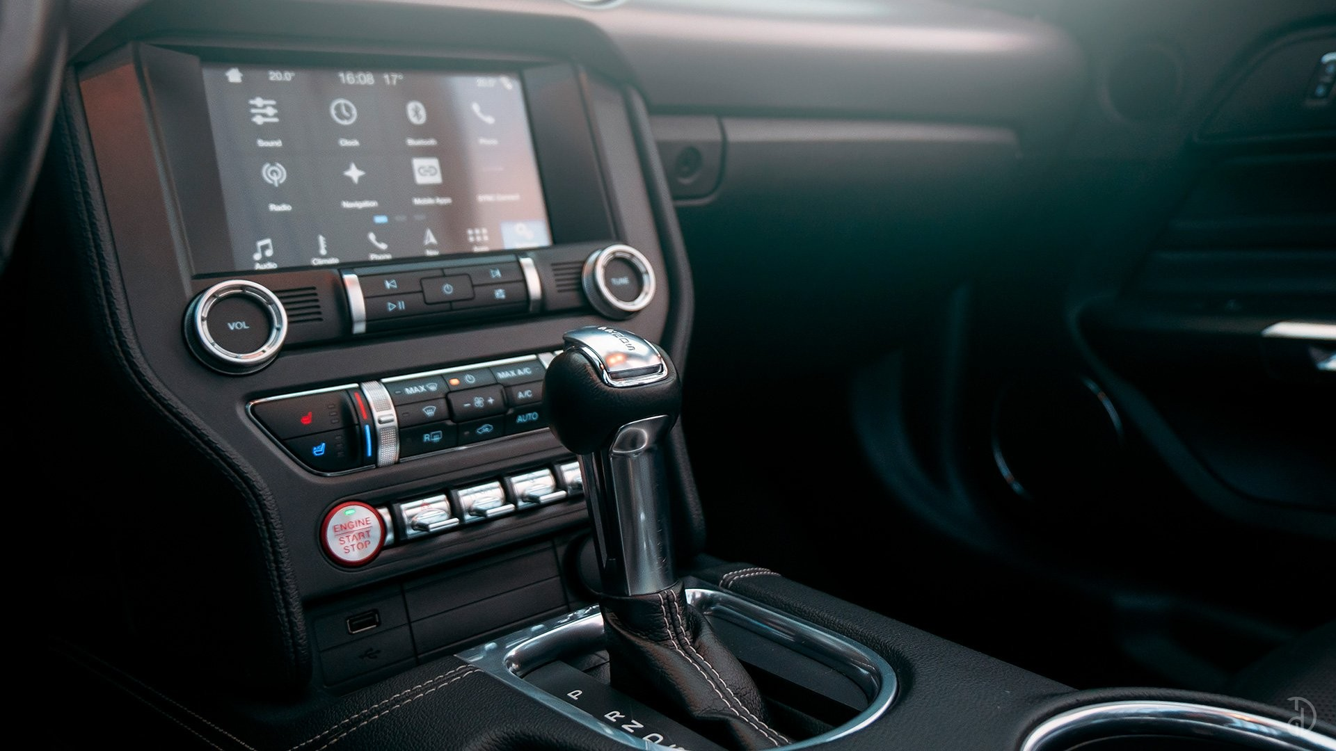 Ford Mustang GT 5.0. Фото 17