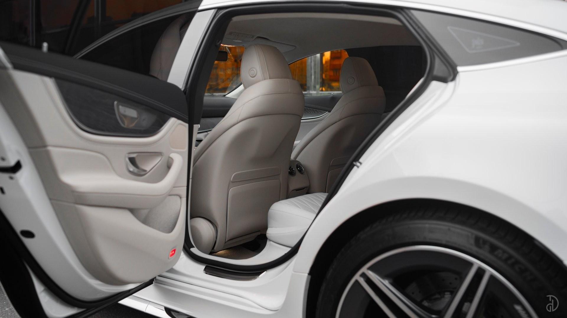 Аренда Mercedes-Benz AMG GT 63s 4 дв. купе. Фото 12