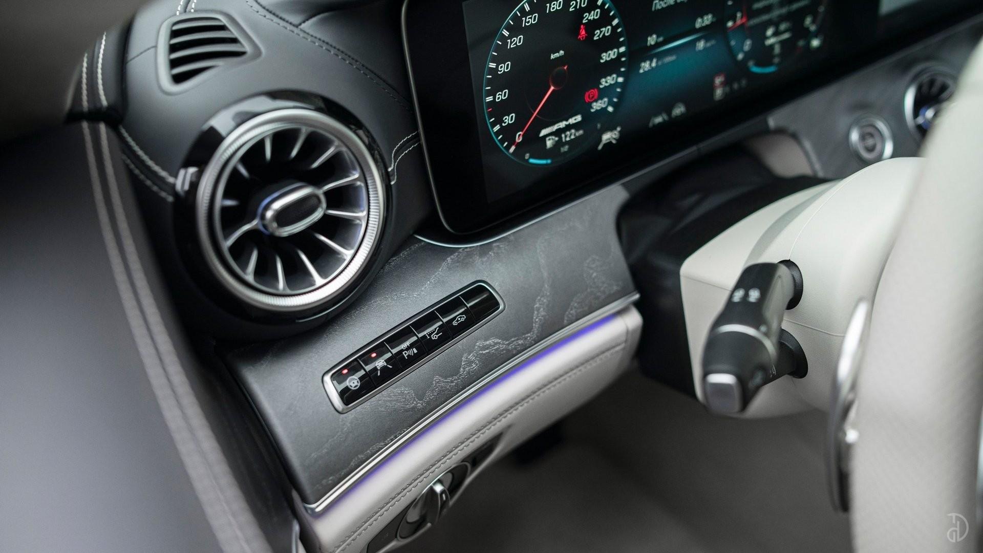 Аренда Mercedes-Benz AMG GT 63s 4 дв. купе. Фото 14