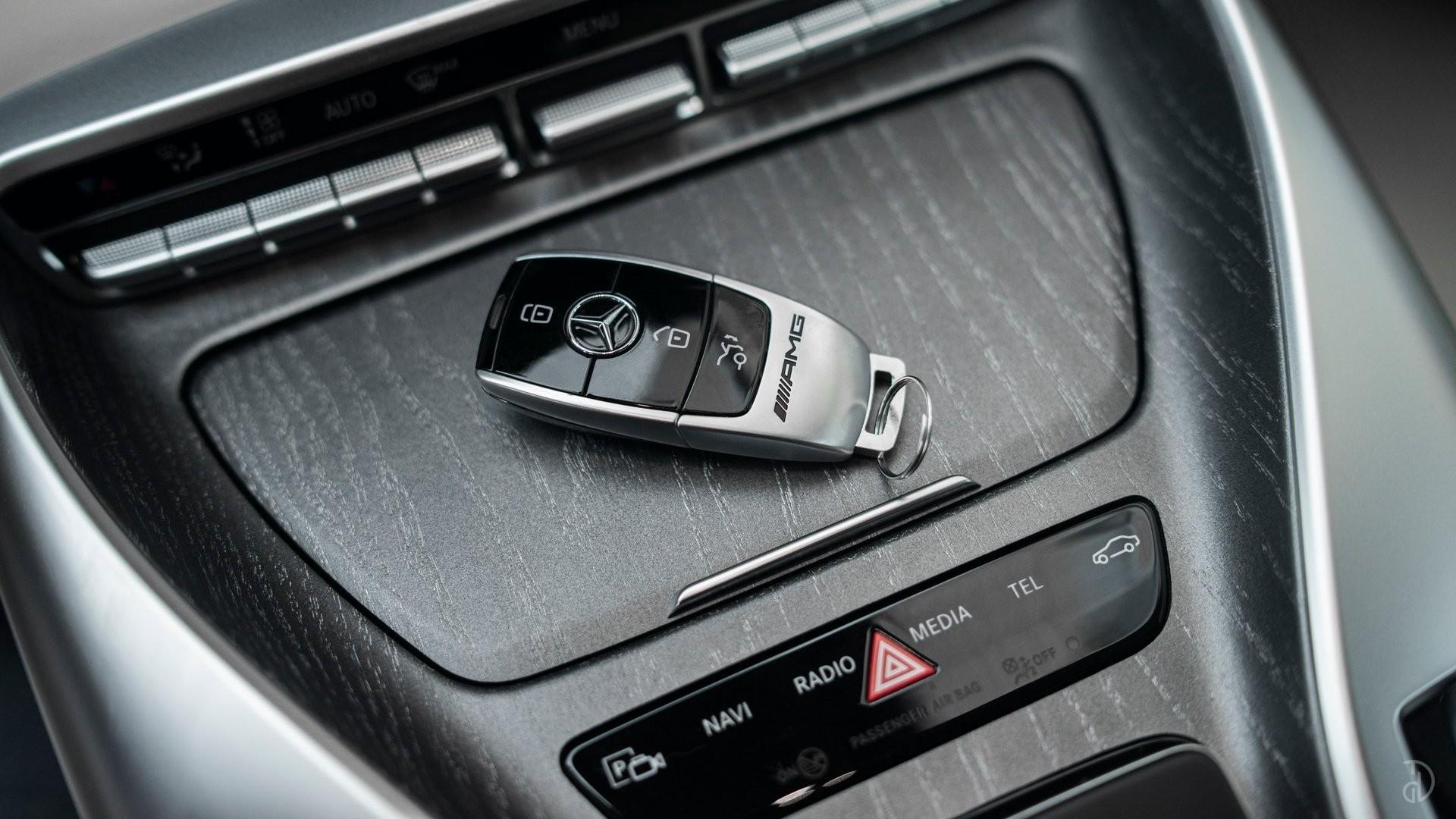 Аренда Mercedes-Benz AMG GT 63s 4 дв. купе. Фото 17