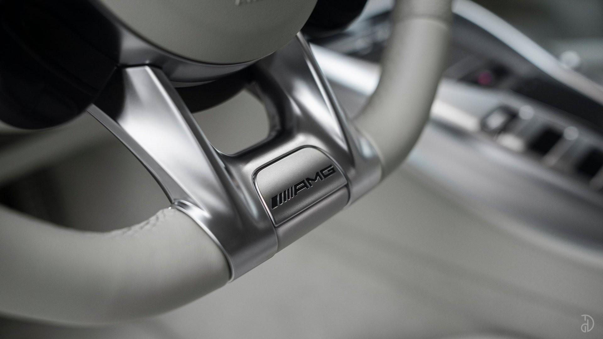 Аренда Mercedes-Benz AMG GT 63s 4 дв. купе. Фото 19