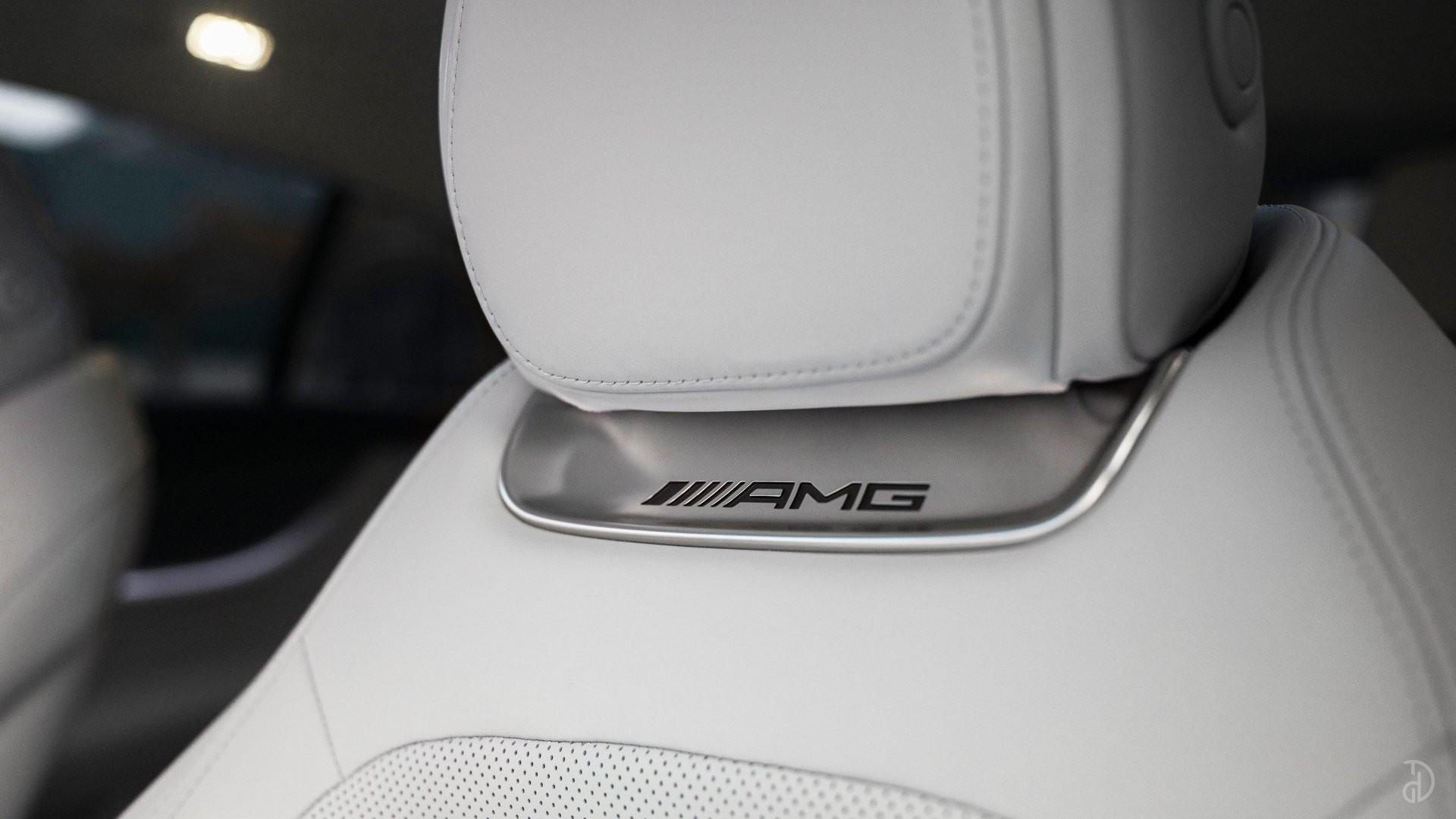 Аренда Mercedes-Benz AMG GT 63s 4 дв. купе. Фото 21