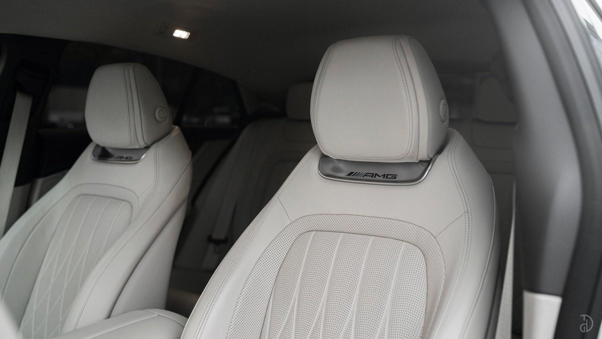 Аренда Mercedes-Benz AMG GT 63s 4 дв. купе. Фото 23