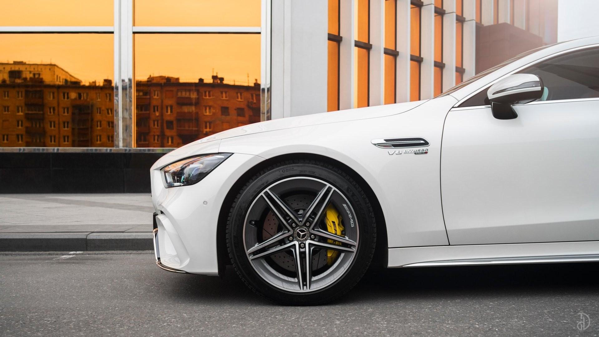Аренда Mercedes-Benz AMG GT 63s 4 дв. купе. Фото 3