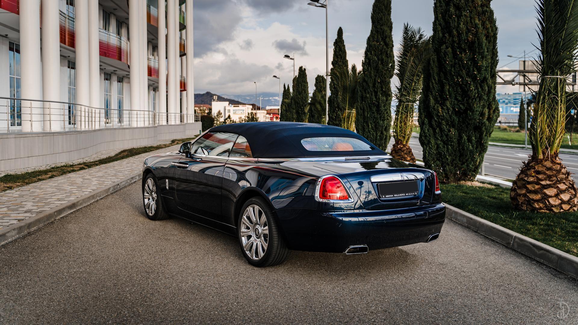 Аренда Rolls-Royce Dawn в Сочи. Фото 4