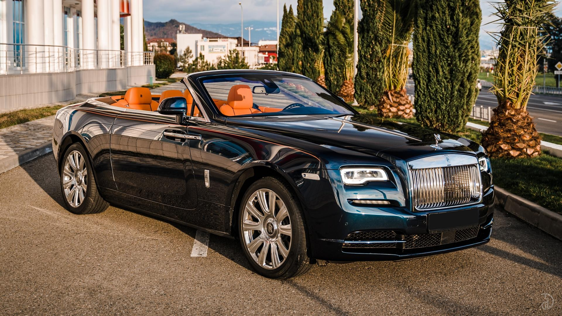 Аренда Rolls-Royce Dawn в Сочи. Фото 6