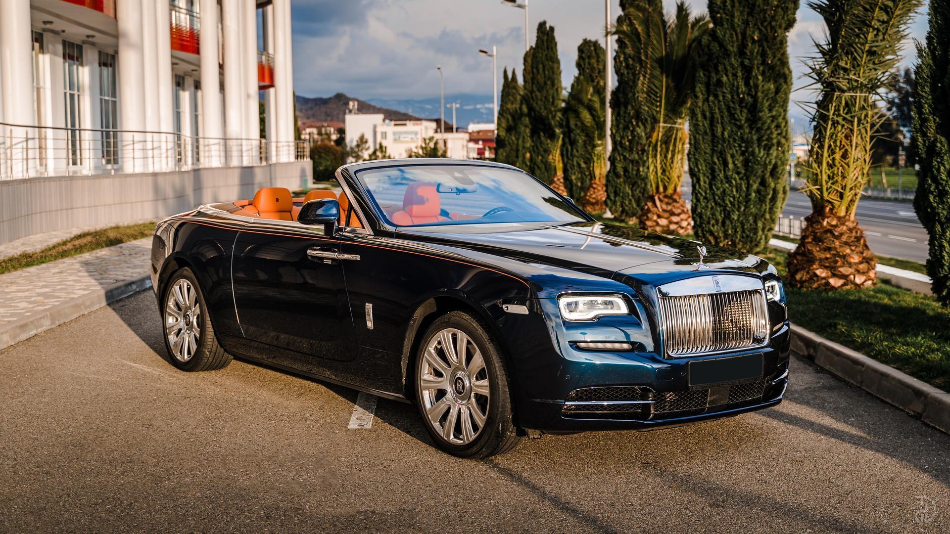 Аренда Rolls-Royce Dawn в Москве. Фото 6