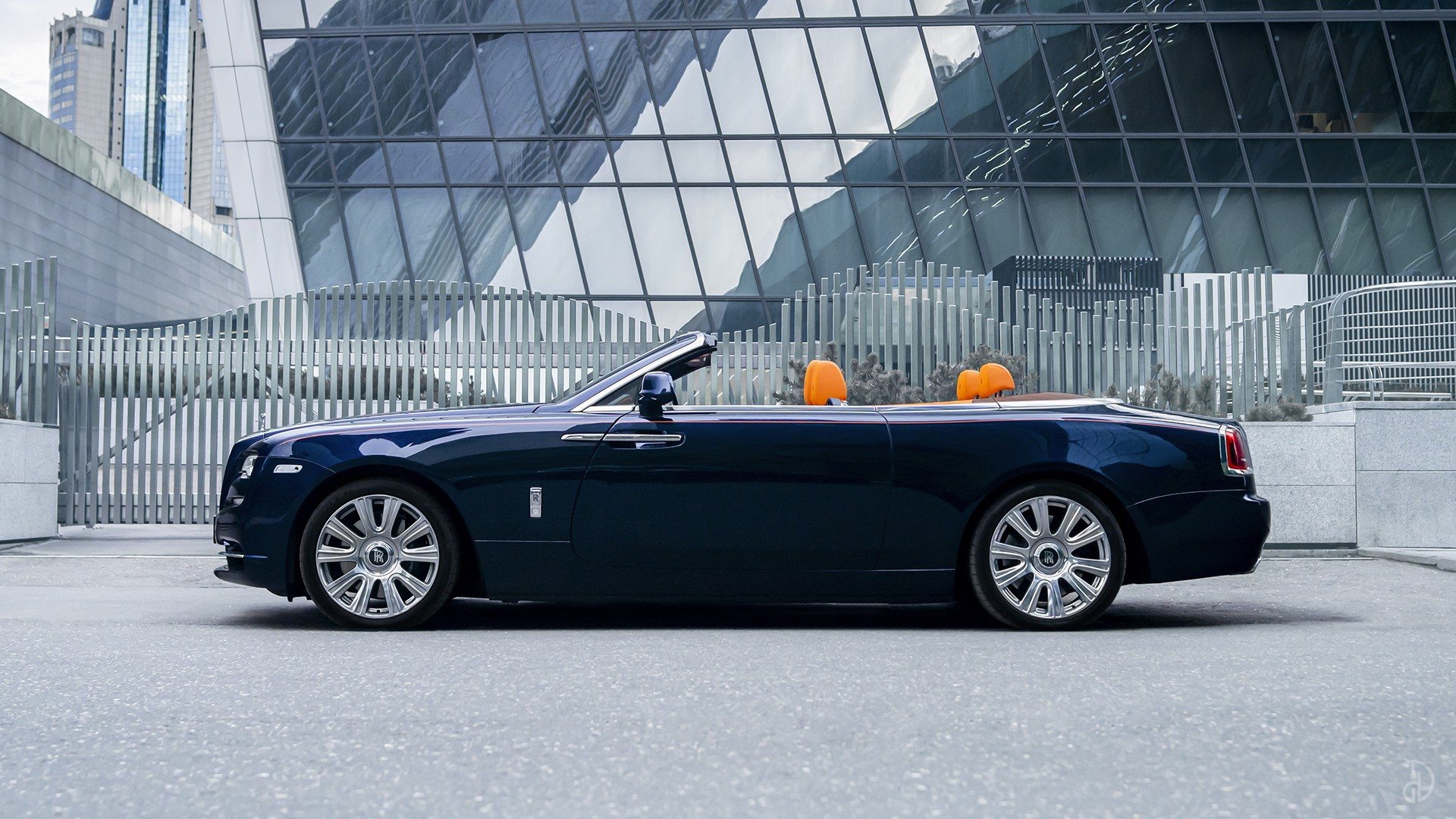 Аренда Rolls-Royce Dawn в Москве. Фото 5