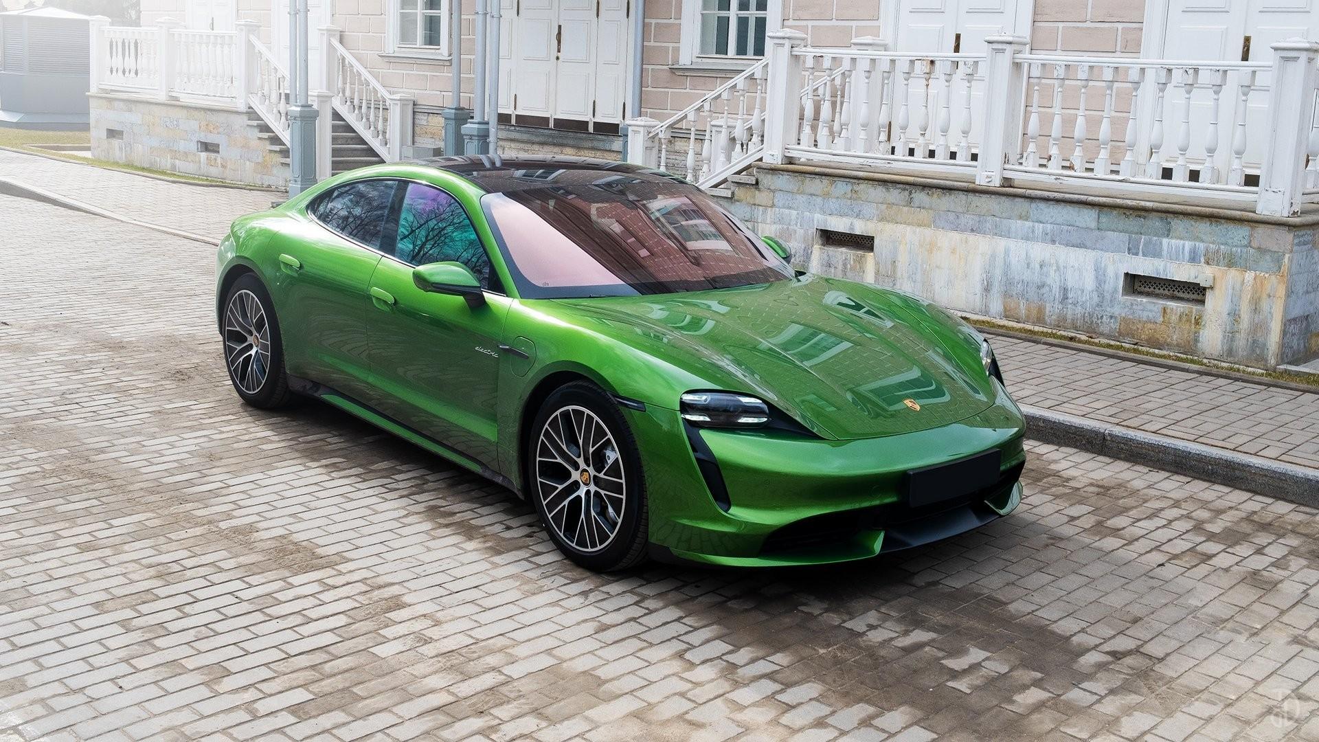 Аренда Porsche Taycan Turbo в Москве. Фото 1