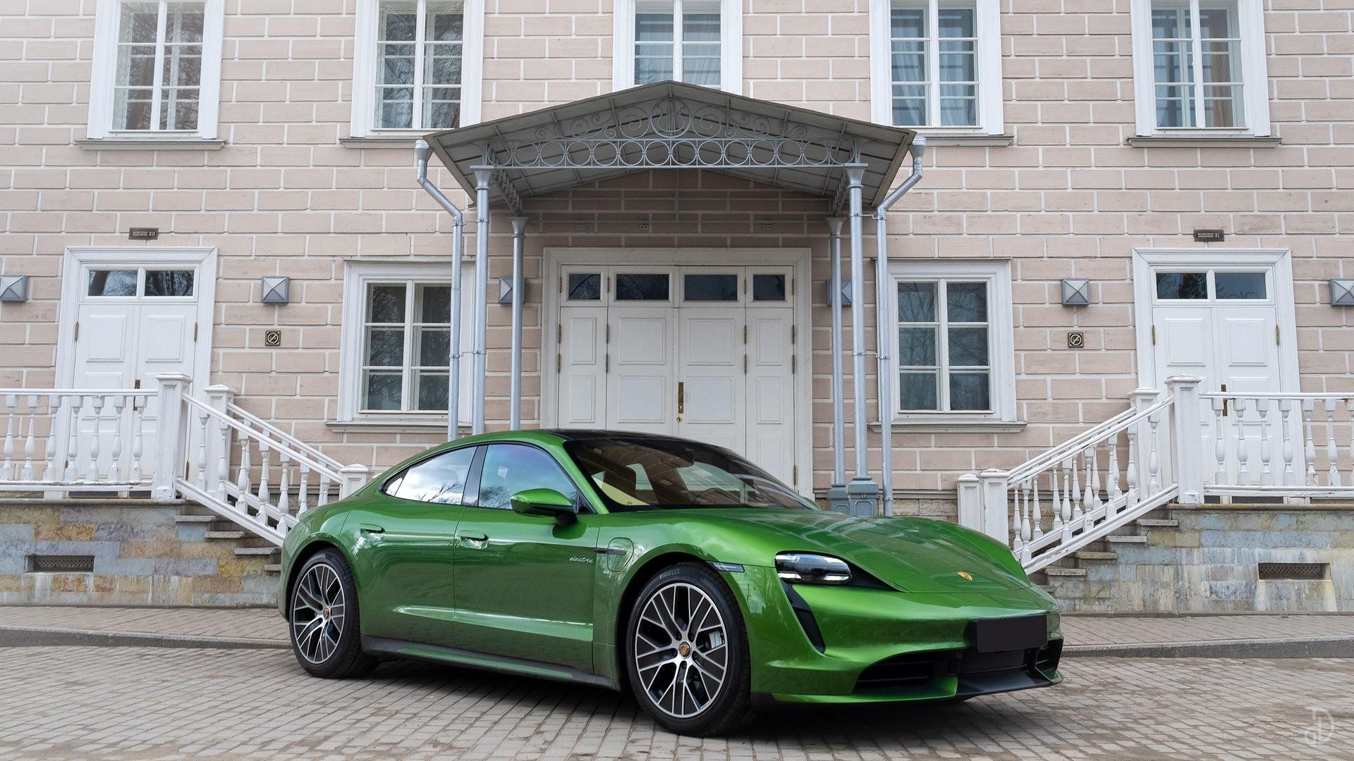 Аренда Porsche Taycan Turbo в Москве. Фото 3