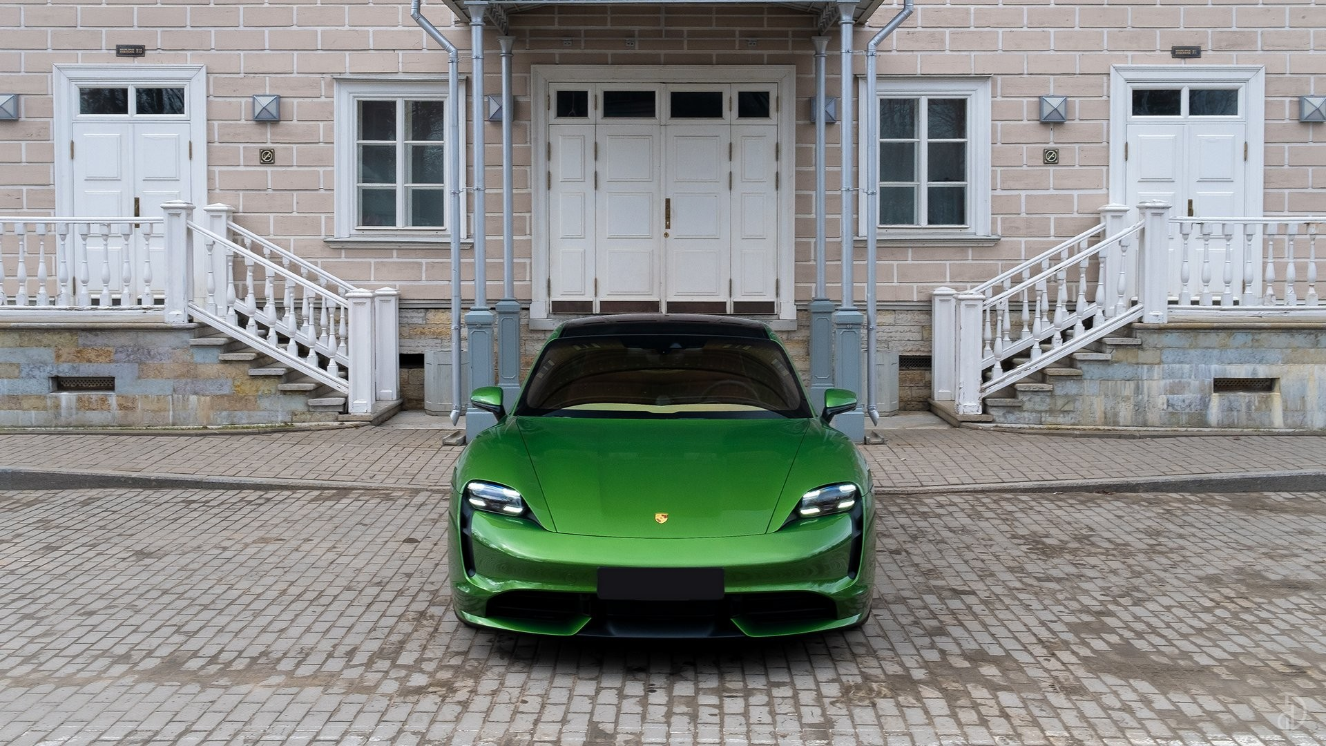 Аренда Porsche Taycan Turbo в Москве. Фото 5