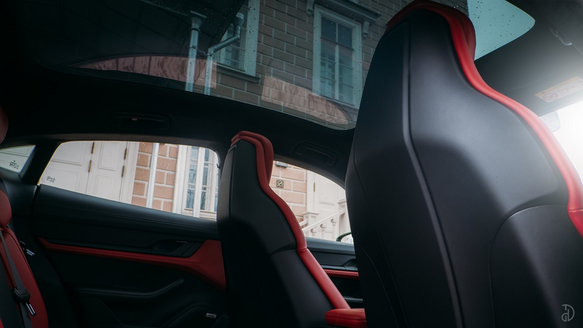 Аренда Porsche Taycan Turbo в Москве. Фото 12