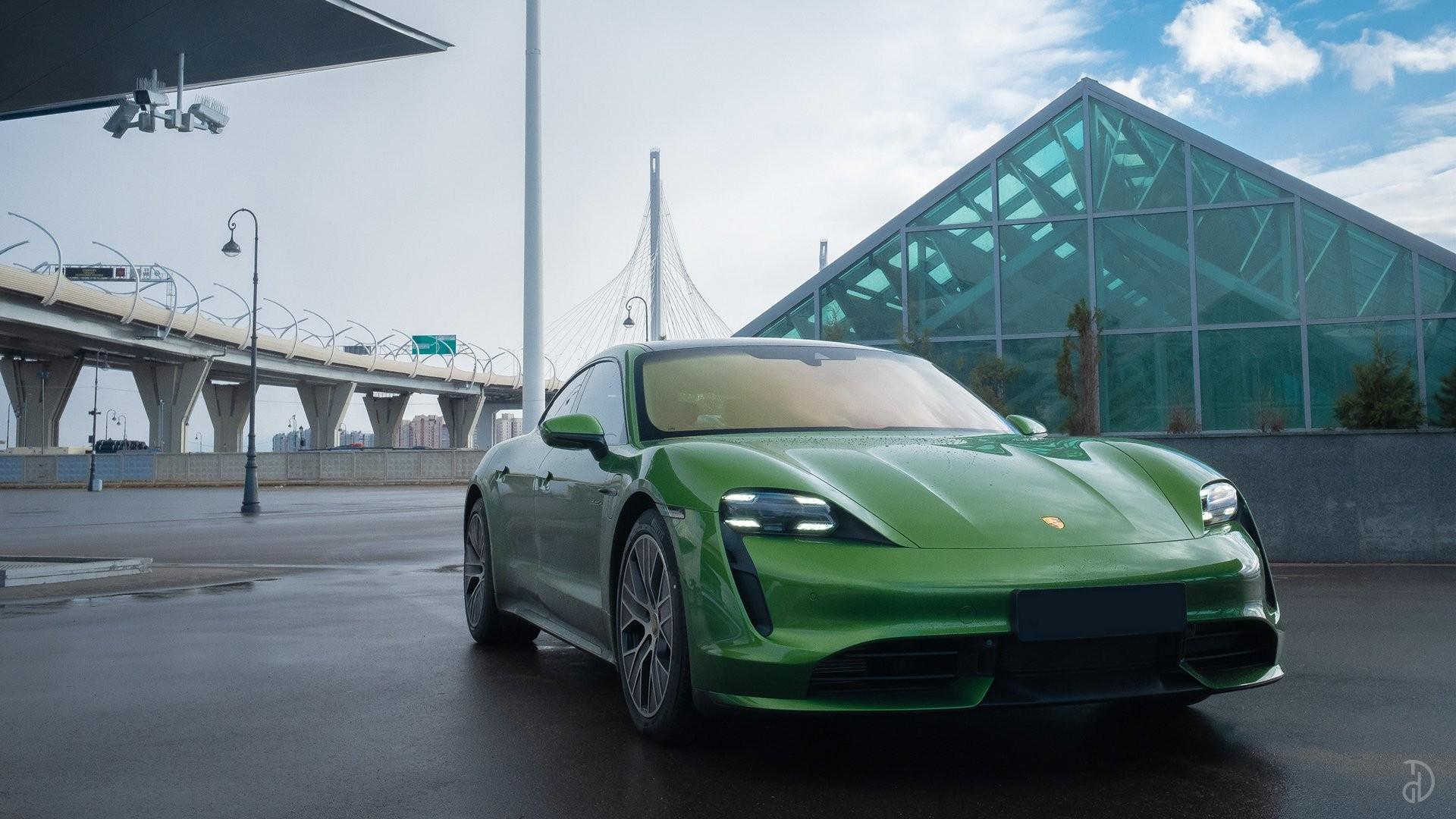 Аренда Porsche Taycan Turbo в Сочи. Фото 1
