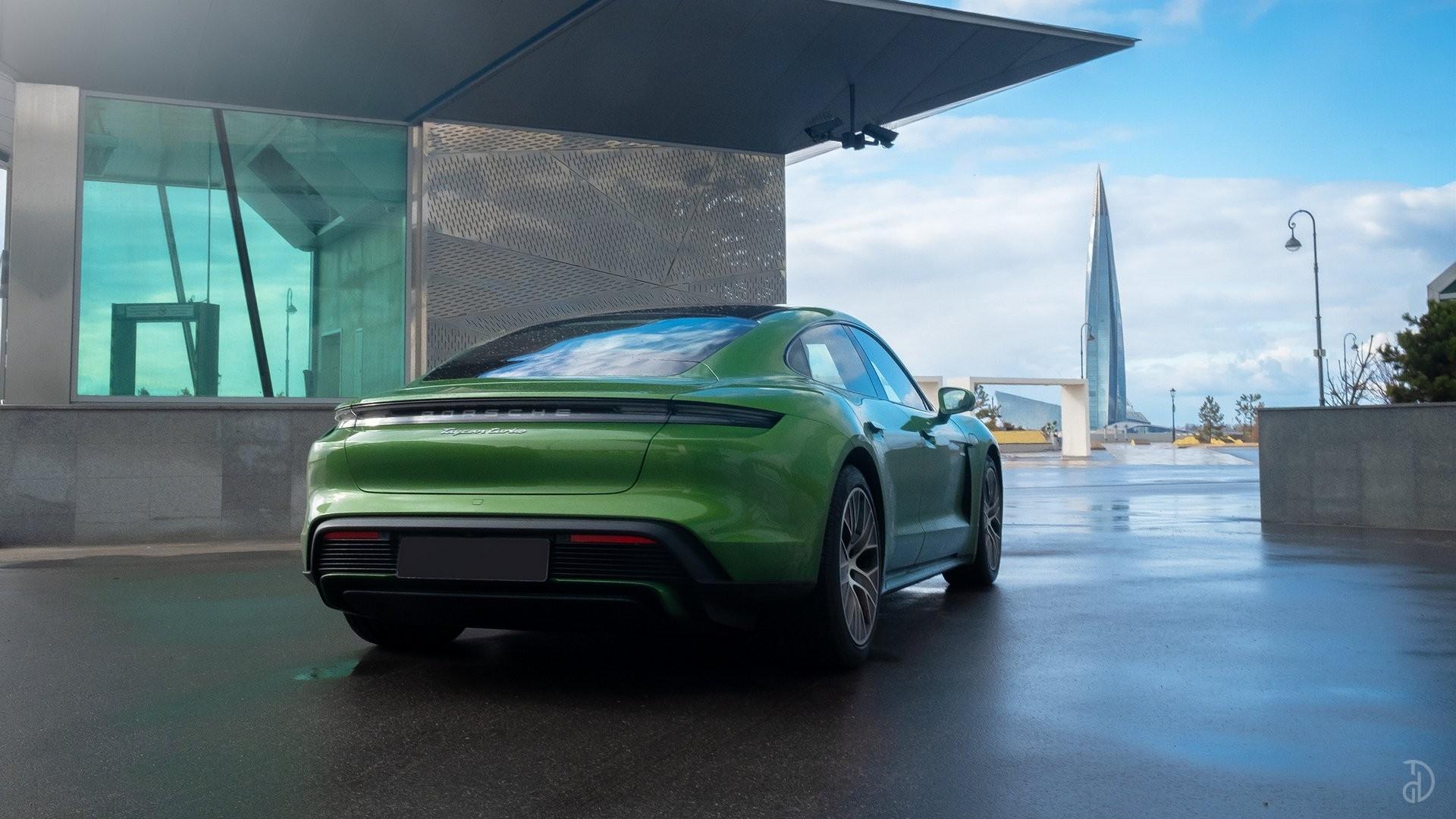 Аренда Porsche Taycan Turbo в Сочи. Фото 4