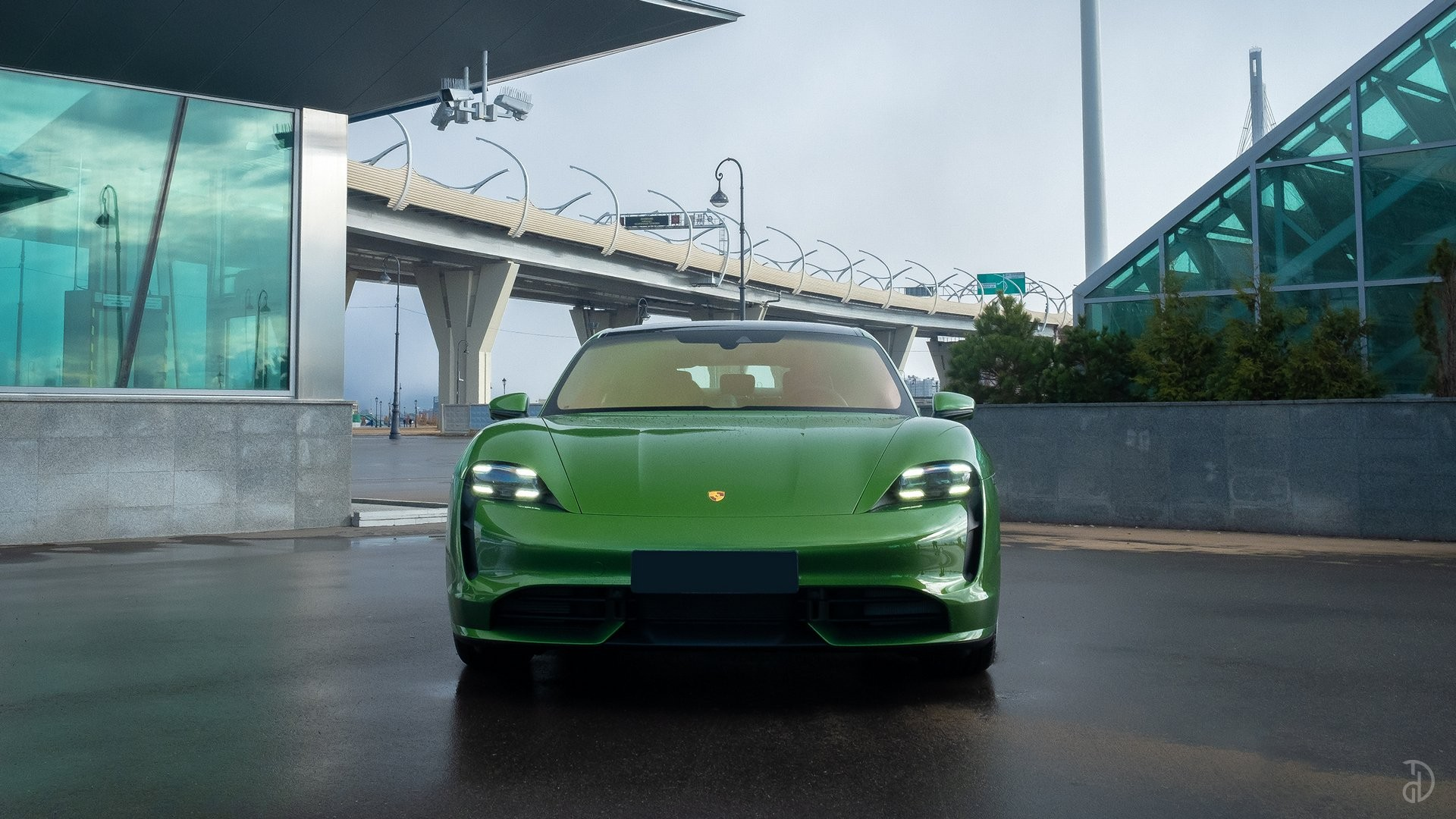 Аренда Porsche Taycan Turbo в Сочи. Фото 8