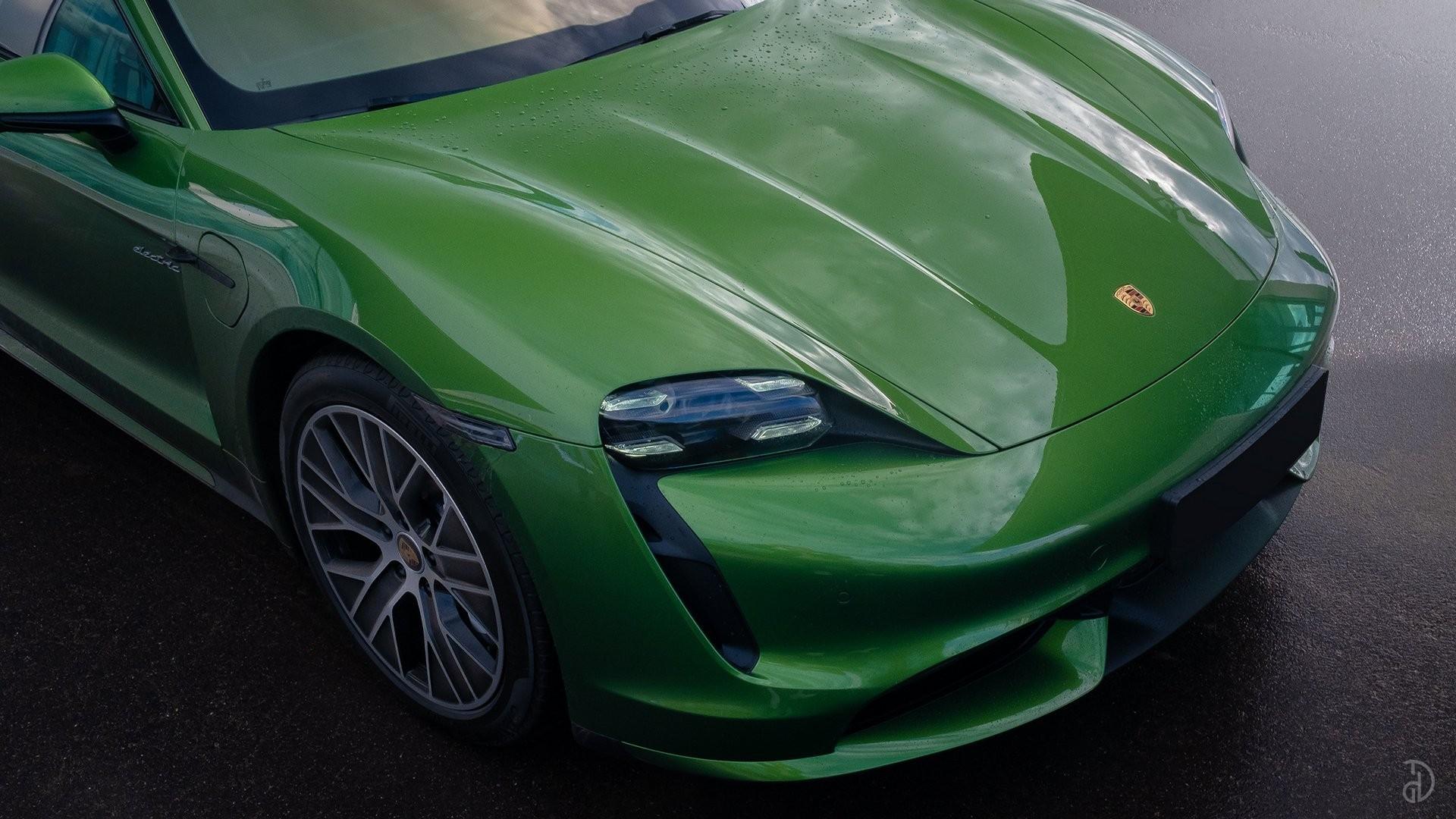Аренда Porsche Taycan Turbo в Сочи. Фото 9