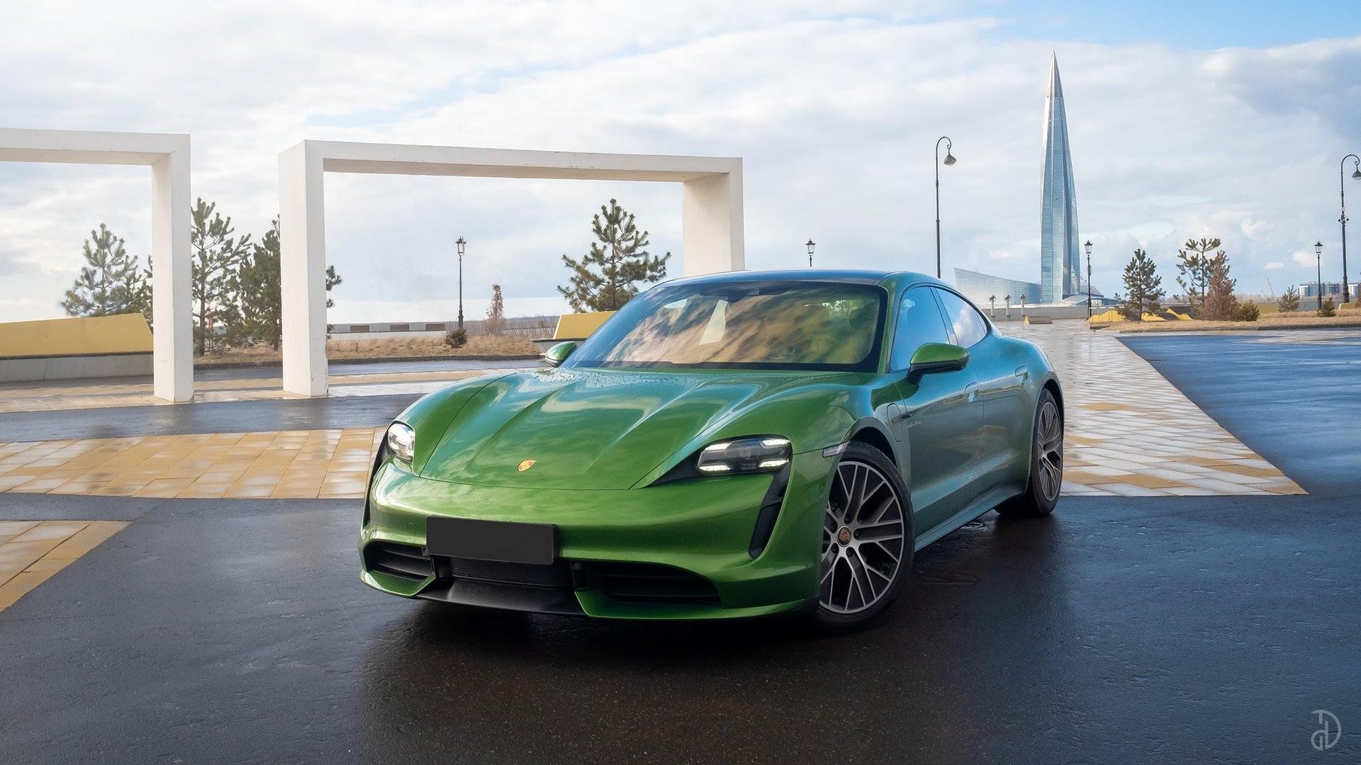 Аренда Porsche Taycan Turbo в Сочи. Фото 11