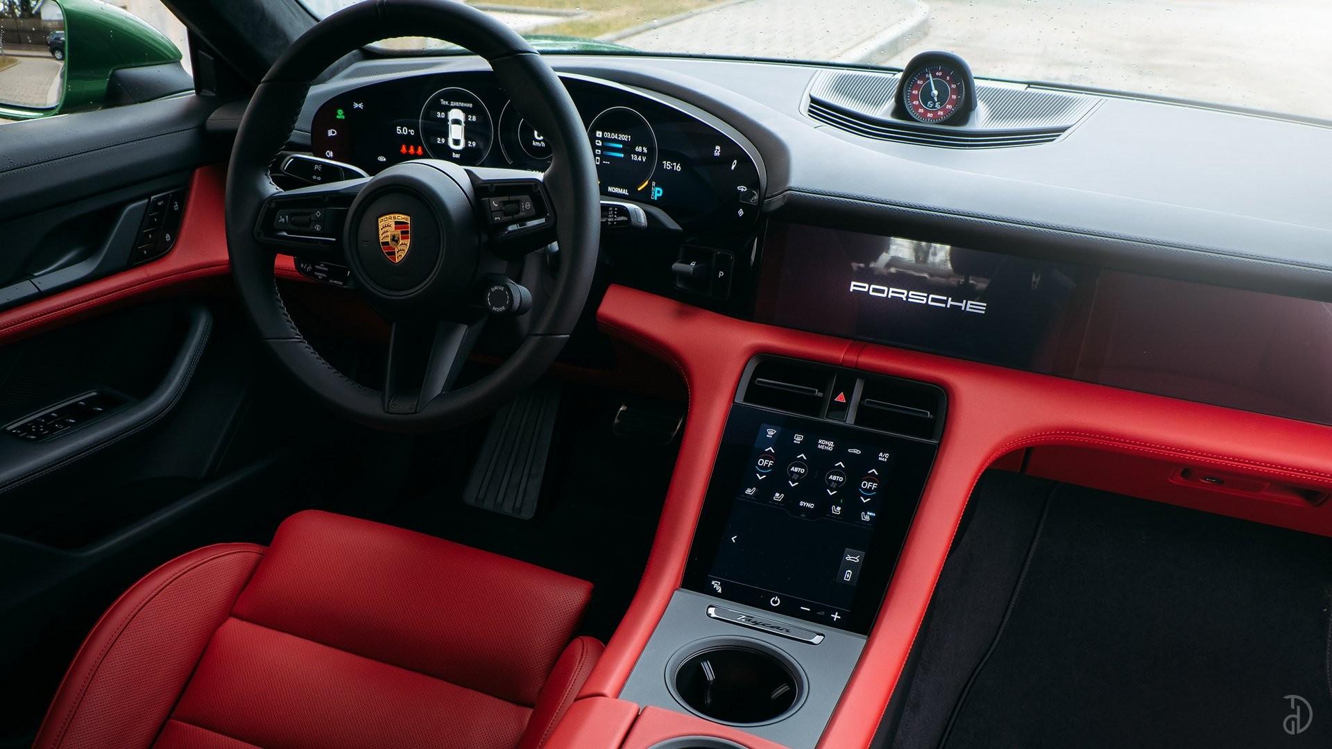 Аренда Porsche Taycan Turbo в Сочи. Фото 14