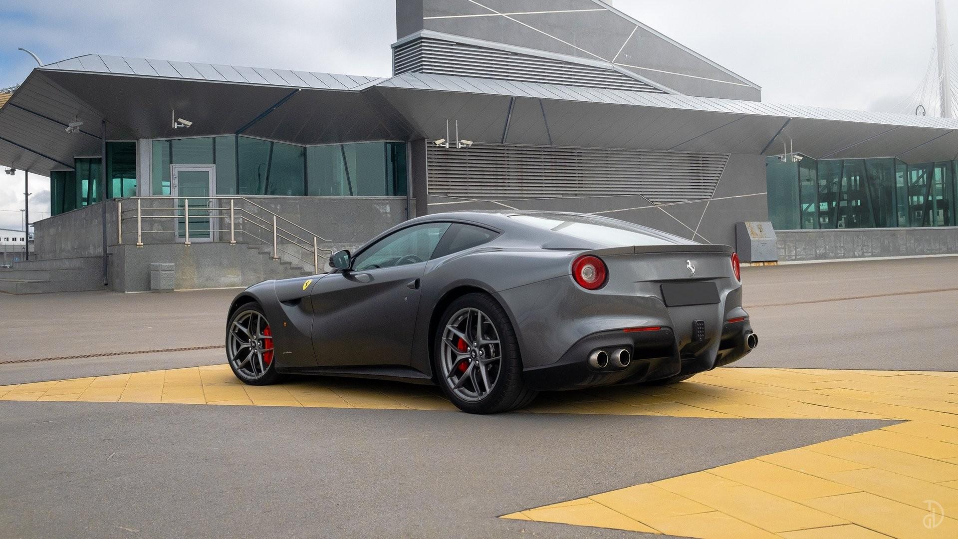 Аренда Ferrari F12 Berlinetta в Сочи. Фото 5