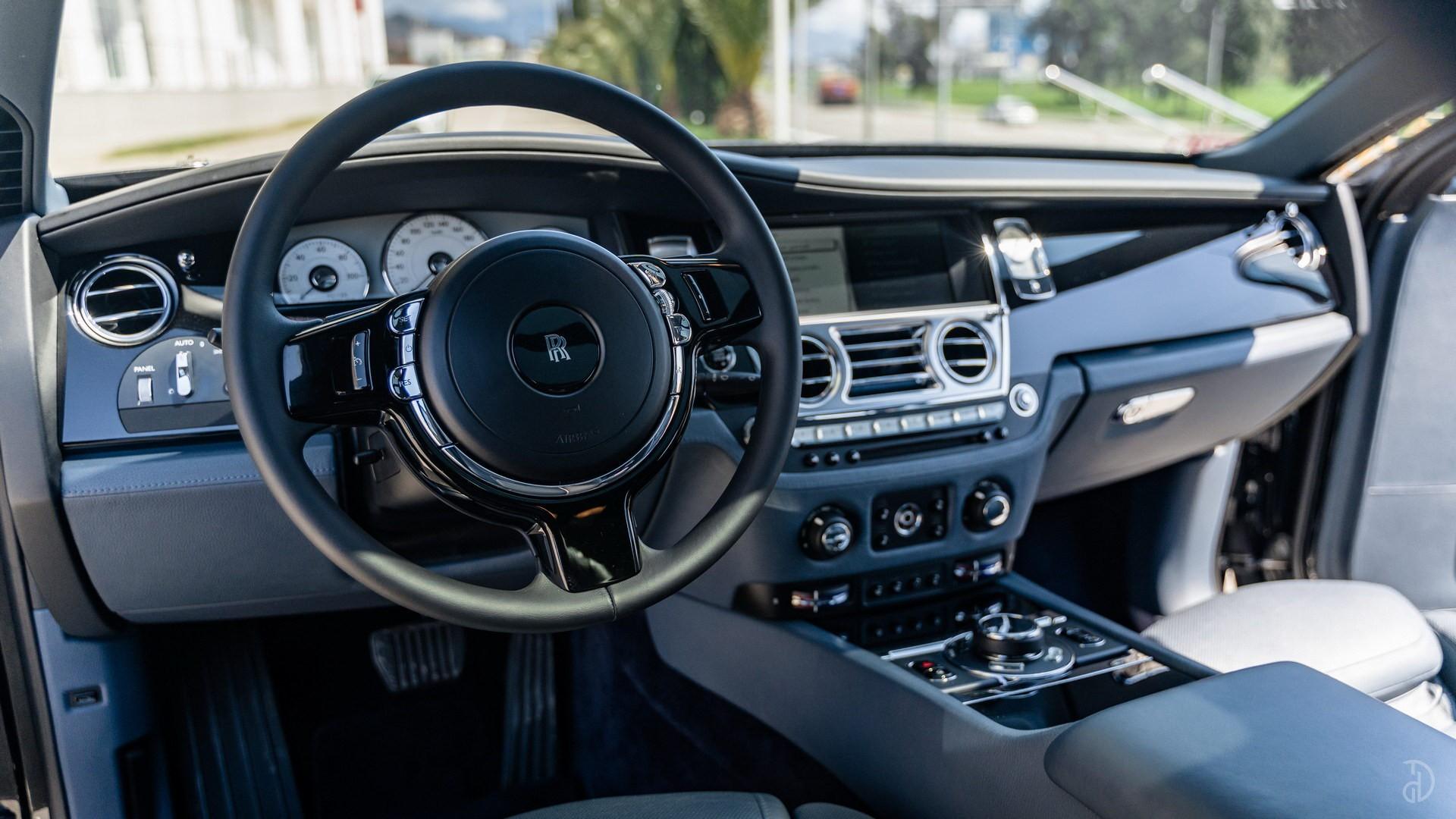 Аренда Rolls-Royce Ghost с водителем. Фото 12