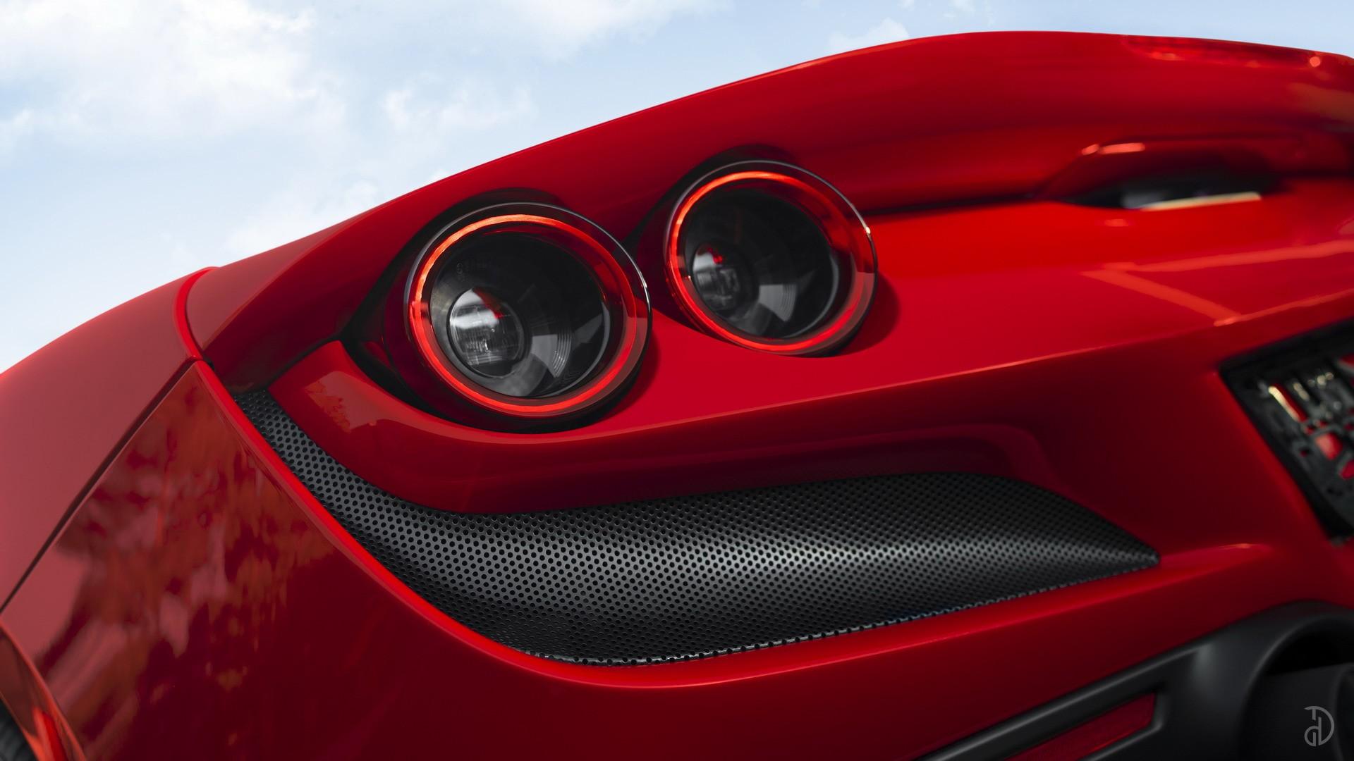 Аренда Ferrari F8 Spider в Сочи. Фото 4
