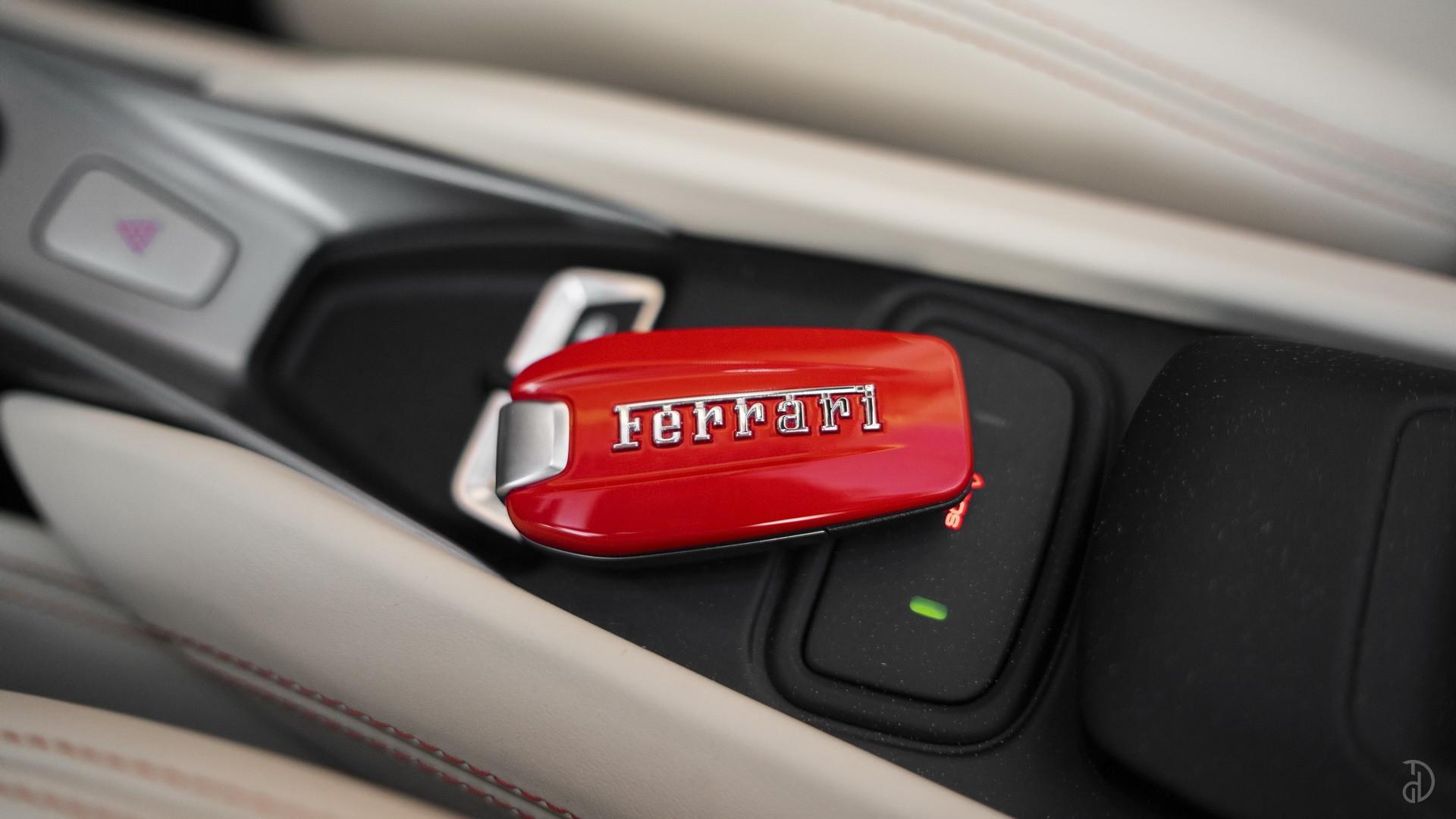 Аренда Ferrari F8 Spider в Сочи. Фото 13